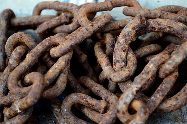 chain-3238117_640