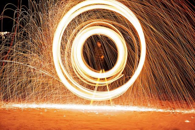 fireworks-1081988_640